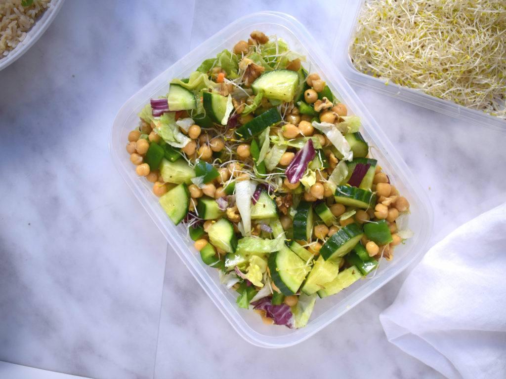Vegan rijst salade met kikkererwten