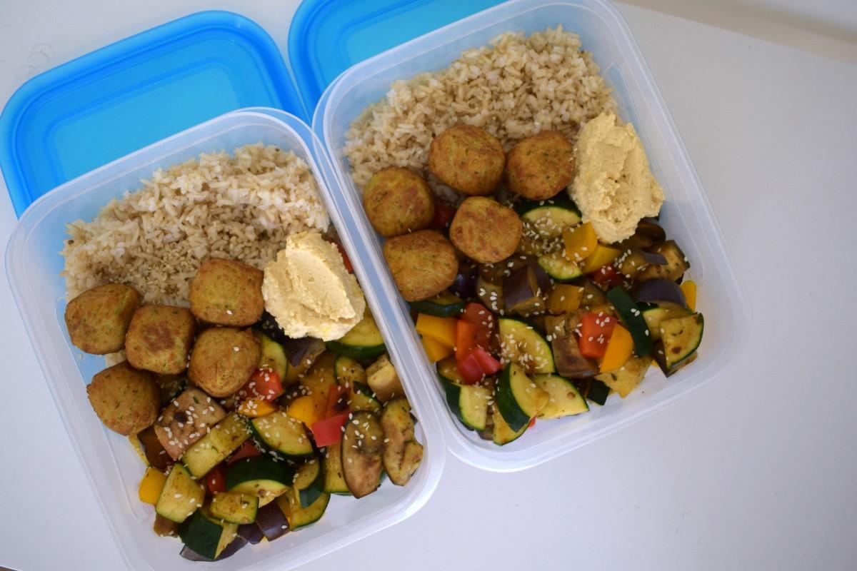 Rijst met geroosterde groenten en falafel: Tupperware Thursday