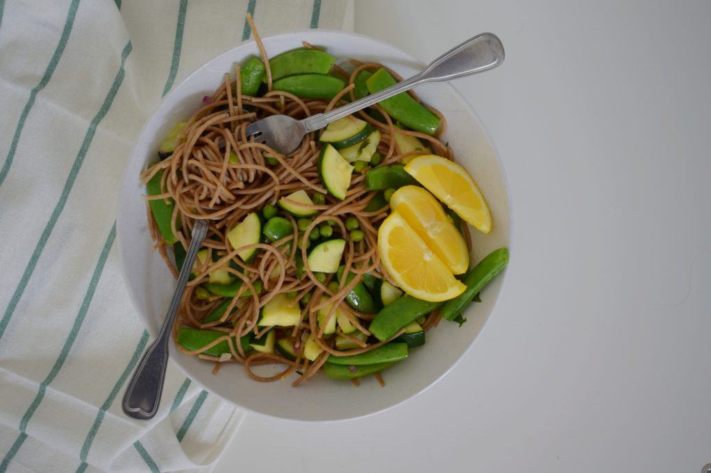frisse citroen pasta met groene groenten