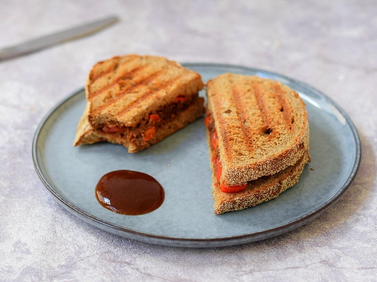 Vegan vlam tosti