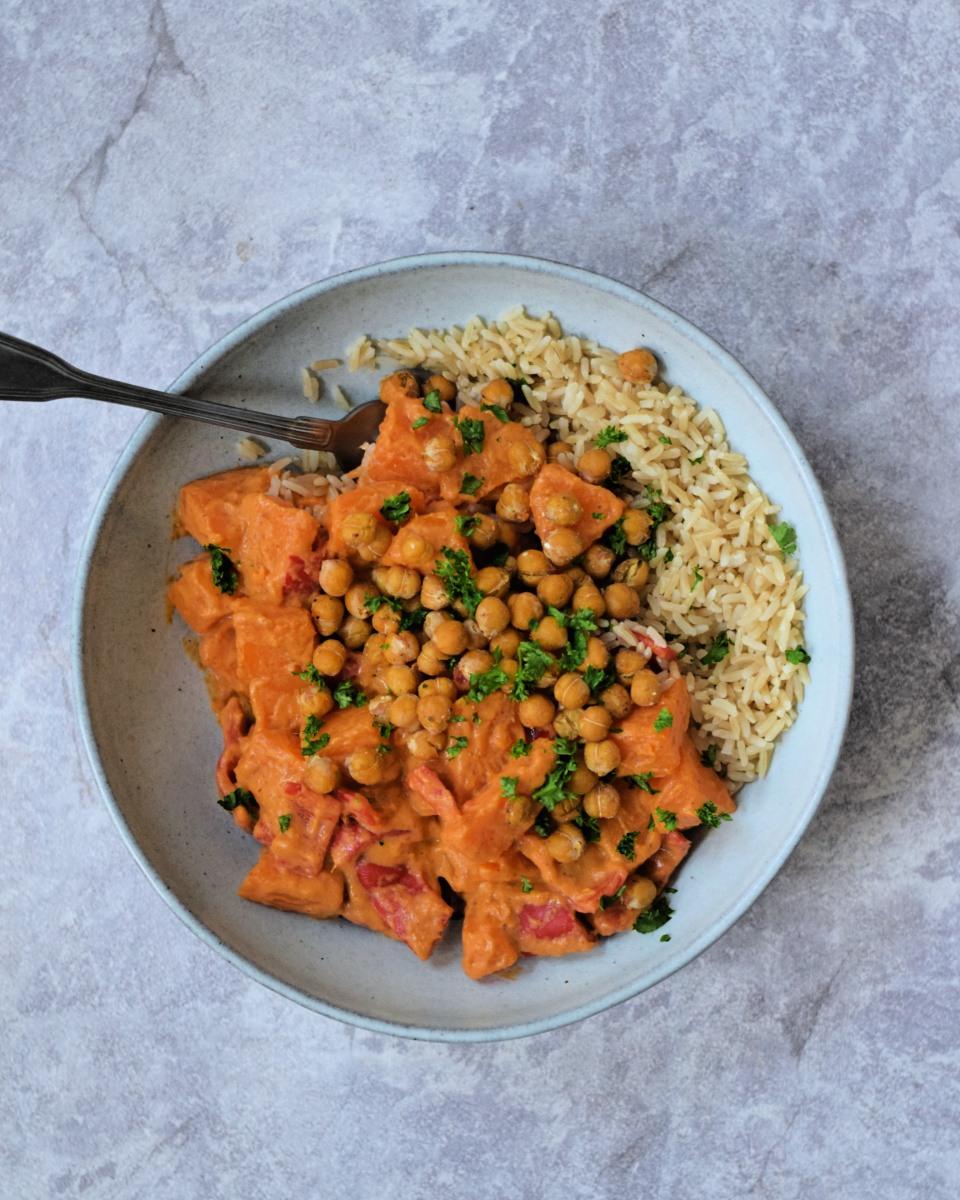 Pompoen curry met krokante kikkererwten
