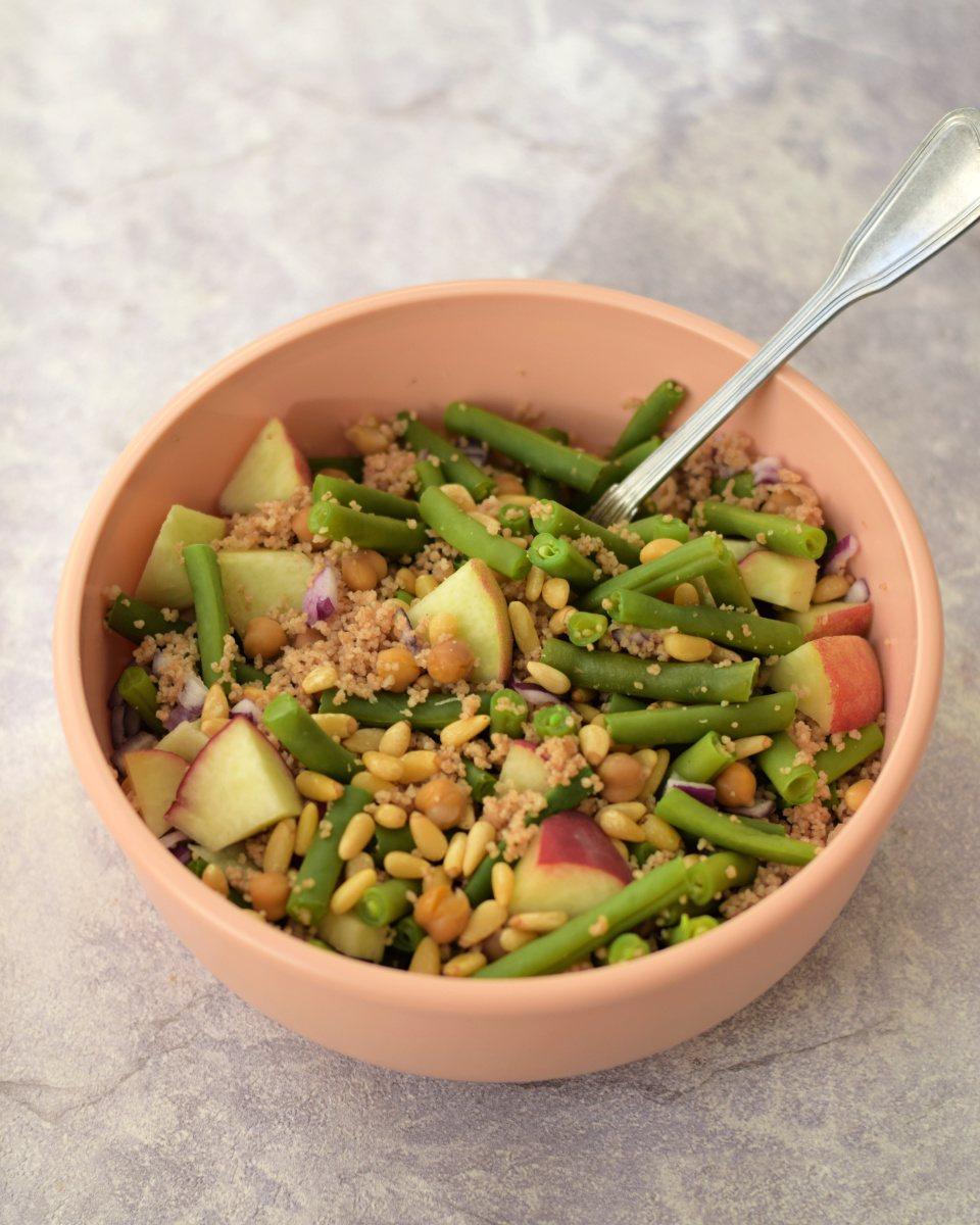 Couscous salade met sperziebonen en perzik