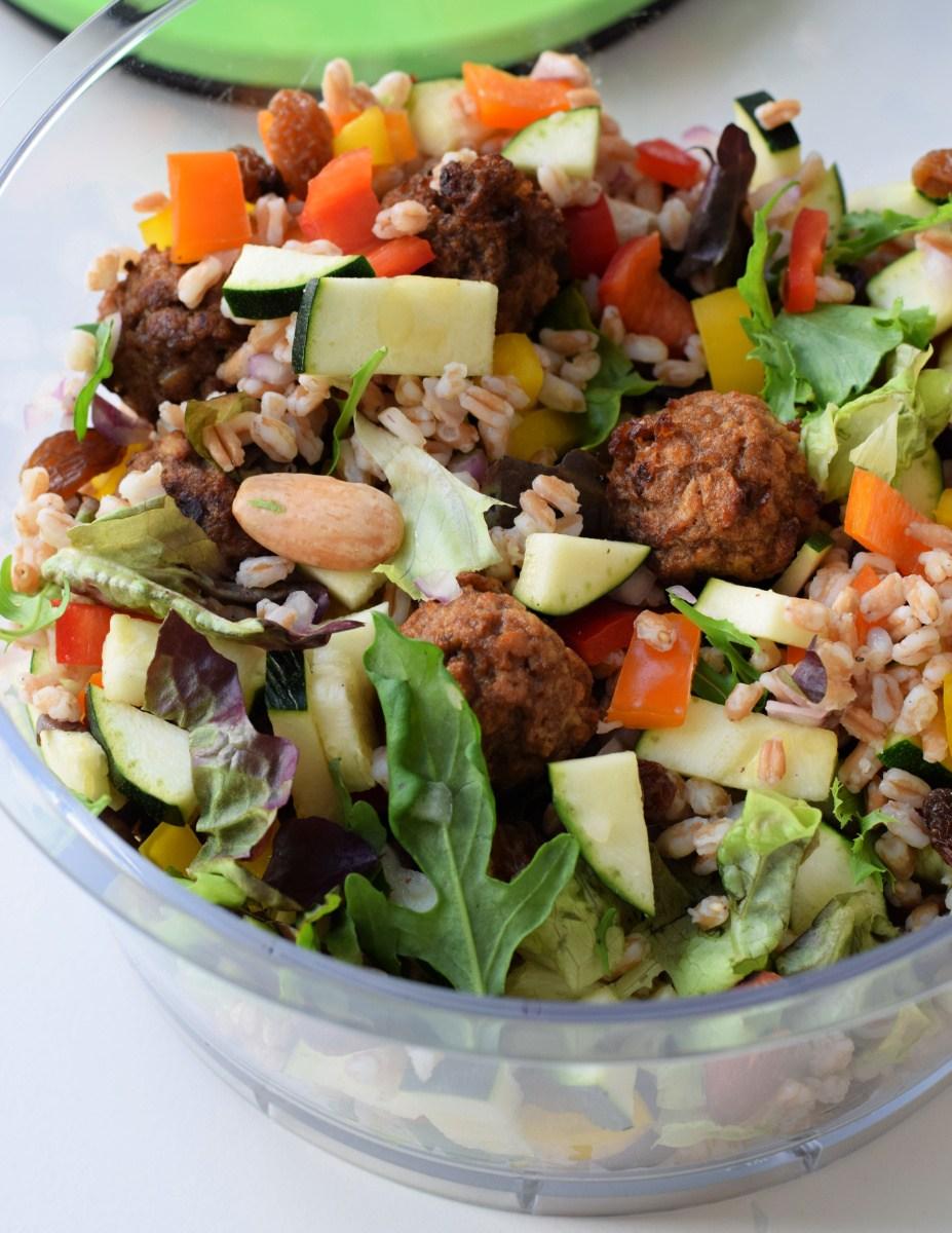 Tupperware thursday: snelle spelt salade met lekker veel groentjes en noten