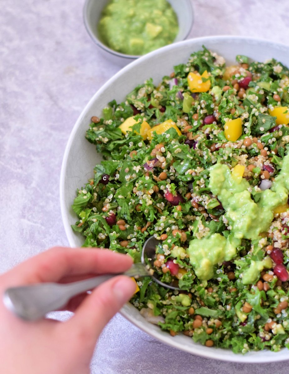Tupperware thursday: quinoa boerenkool salade met avocado dressing